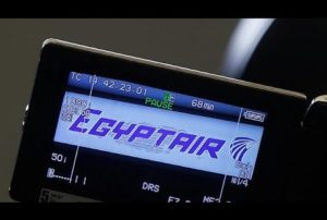 Crash du vol Egyptair: de la fumée à bord avant le crash