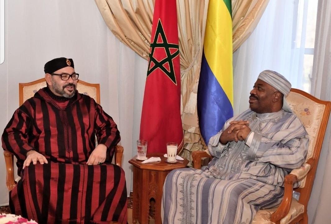 Le Roi Mohammed VI rend visite à Ali Bongo à l'hôpital militaire de Rabat